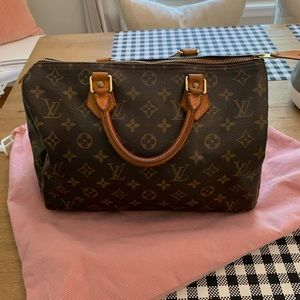 Timeless Vintage Louis Vuitton Speedy 30